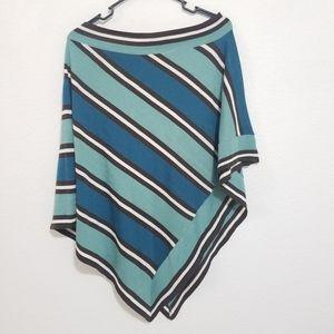 ❤️BCBGMaxAzria Poncho scarf one size